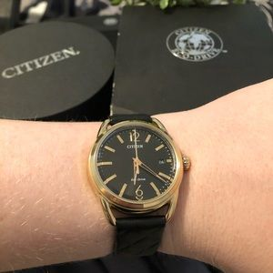 Like-New CITIZEN Eco-Drive Gold, Black Quilted Lth